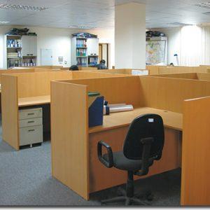 vách ngăn văn phòng gỗ đẹp